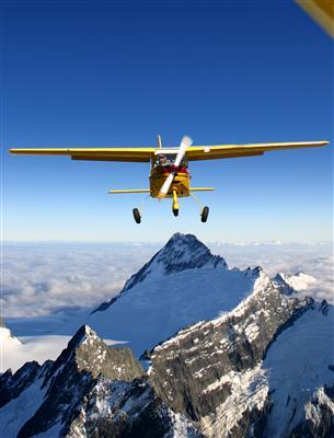 Over Mt Aspiring (Pic Mitch Watchorn)