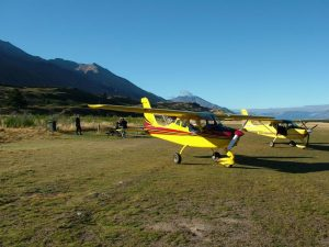 Lunch stop during mountain flying course