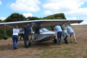 All hands on deck as the famous little Searey Southern Sun, and its adventurous pilot, Michael Smith, pay us a visit on the island.