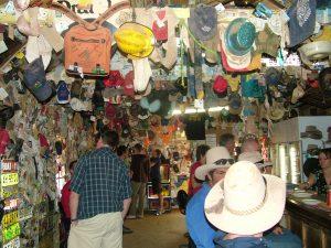 visitsa, outback pub,